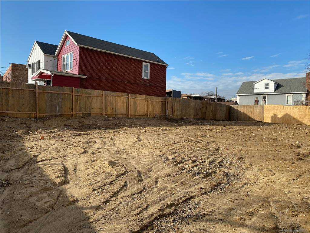 Land 57th Avenue  Queens, NY 11378, MLS-3290403-2