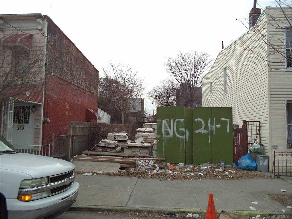 Land Schenck Avenue  Brooklyn, NY 11207, MLS-3290838-2