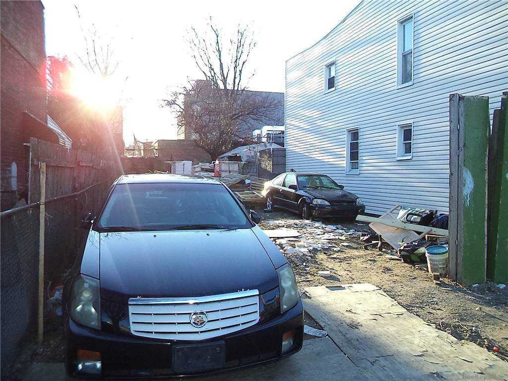 Land Schenck Avenue  Brooklyn, NY 11207, MLS-3290838-7