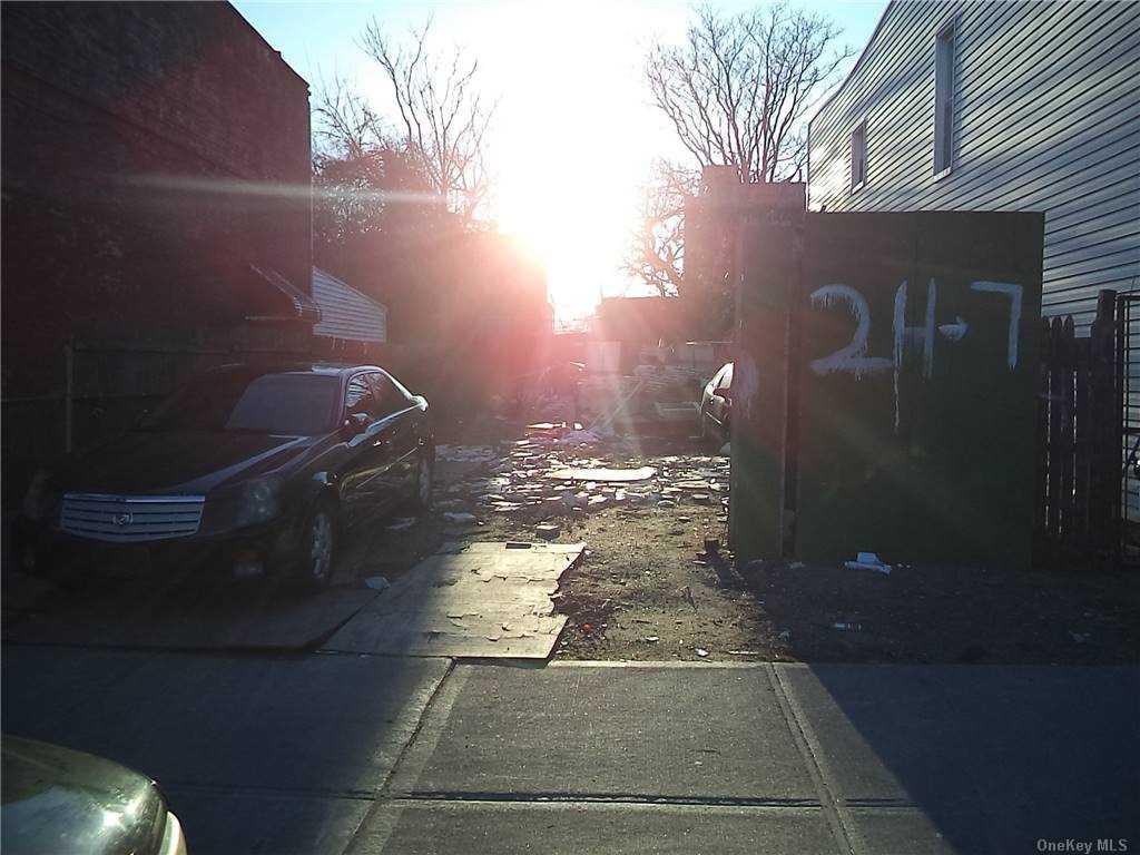 Land Schenck Avenue  Brooklyn, NY 11207, MLS-3290838-9