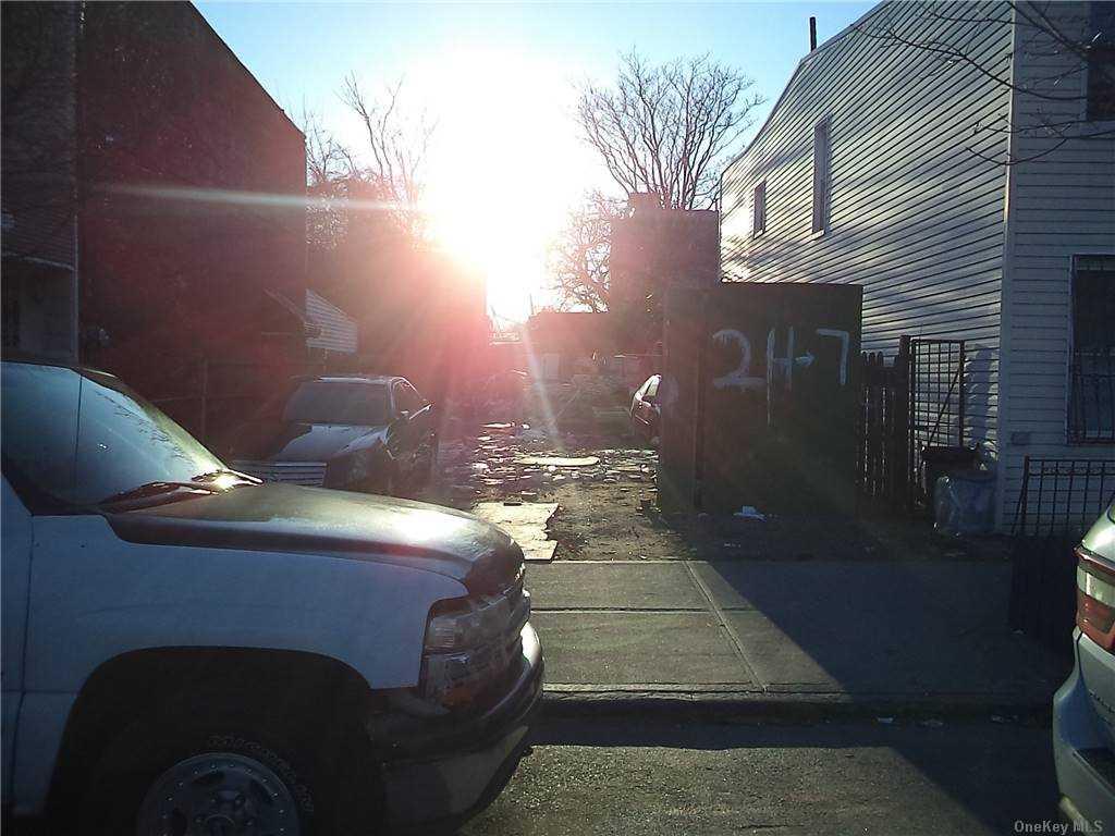 Land Schenck Avenue  Brooklyn, NY 11207, MLS-3290838-10