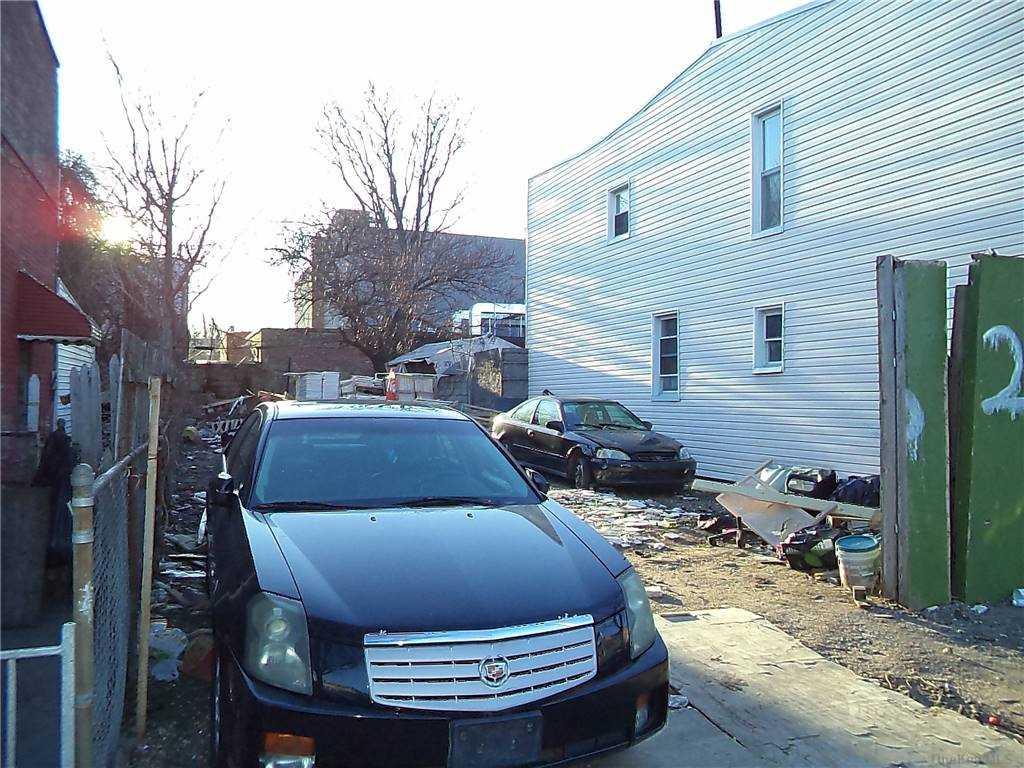 Land Schenck Avenue  Brooklyn, NY 11207, MLS-3290838-8