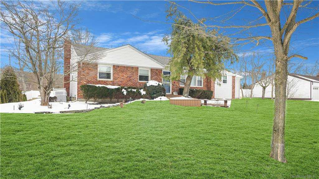 Property for sale at 8 Cedar Drive S, Old Bethpage,  New York 11804