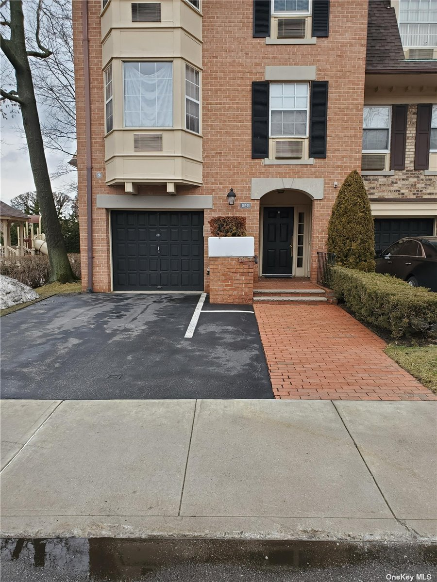 Property for sale at 205-01 Estates Drive Unit: 146M, Bayside,  New York 11360