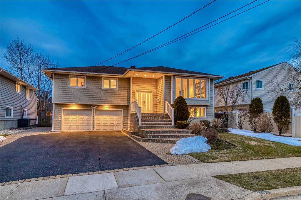 3005 Shore Road, Bellmore, New York11710, 4 Bedrooms Bedrooms, ,2 BathroomsBathrooms,Residential,For Sale,Shore,3292029