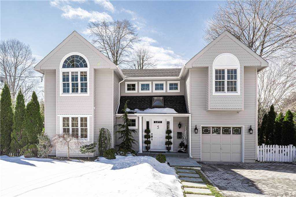Property for sale at 3 Raymond Court, Sea Cliff,  New York 11579