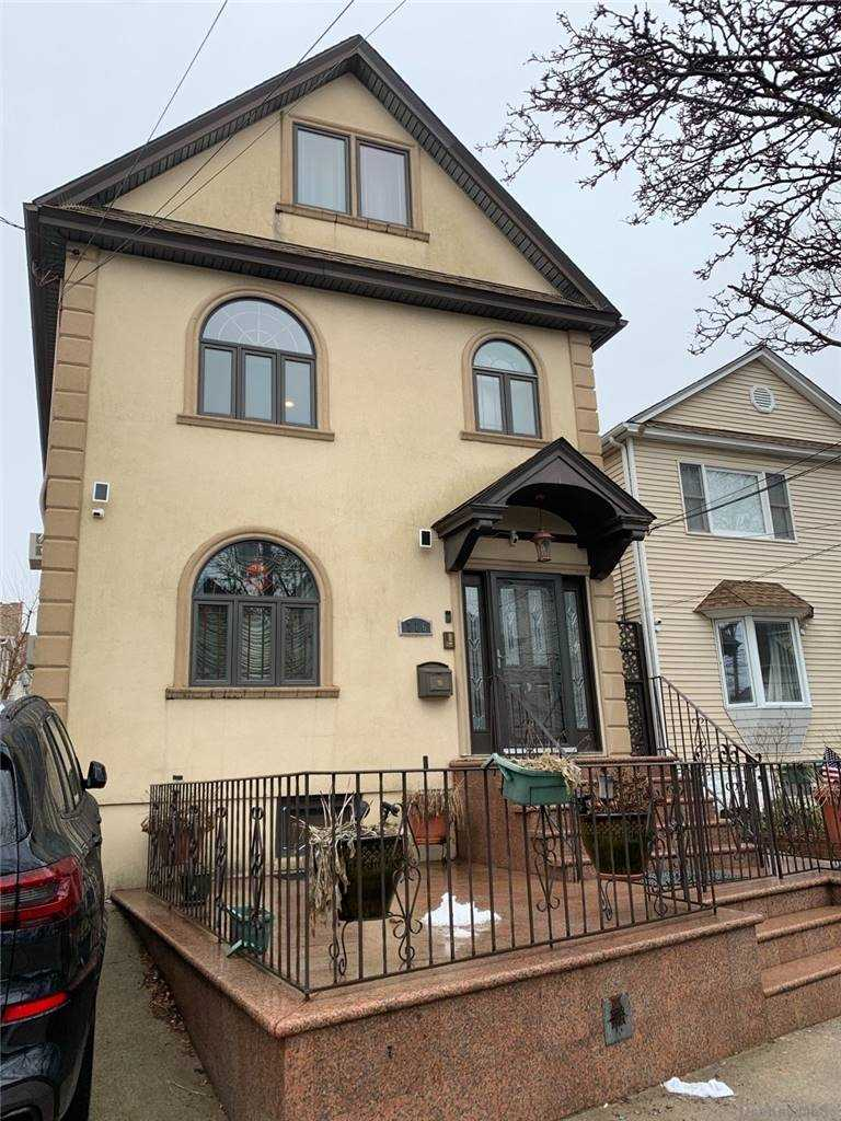 7-16 COLLEGE PLACE #2FL, COLLEGE POINT, NY 11356