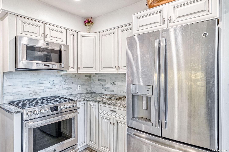 Property for sale at 14 Alden Lane, Huntington,  New York 11743