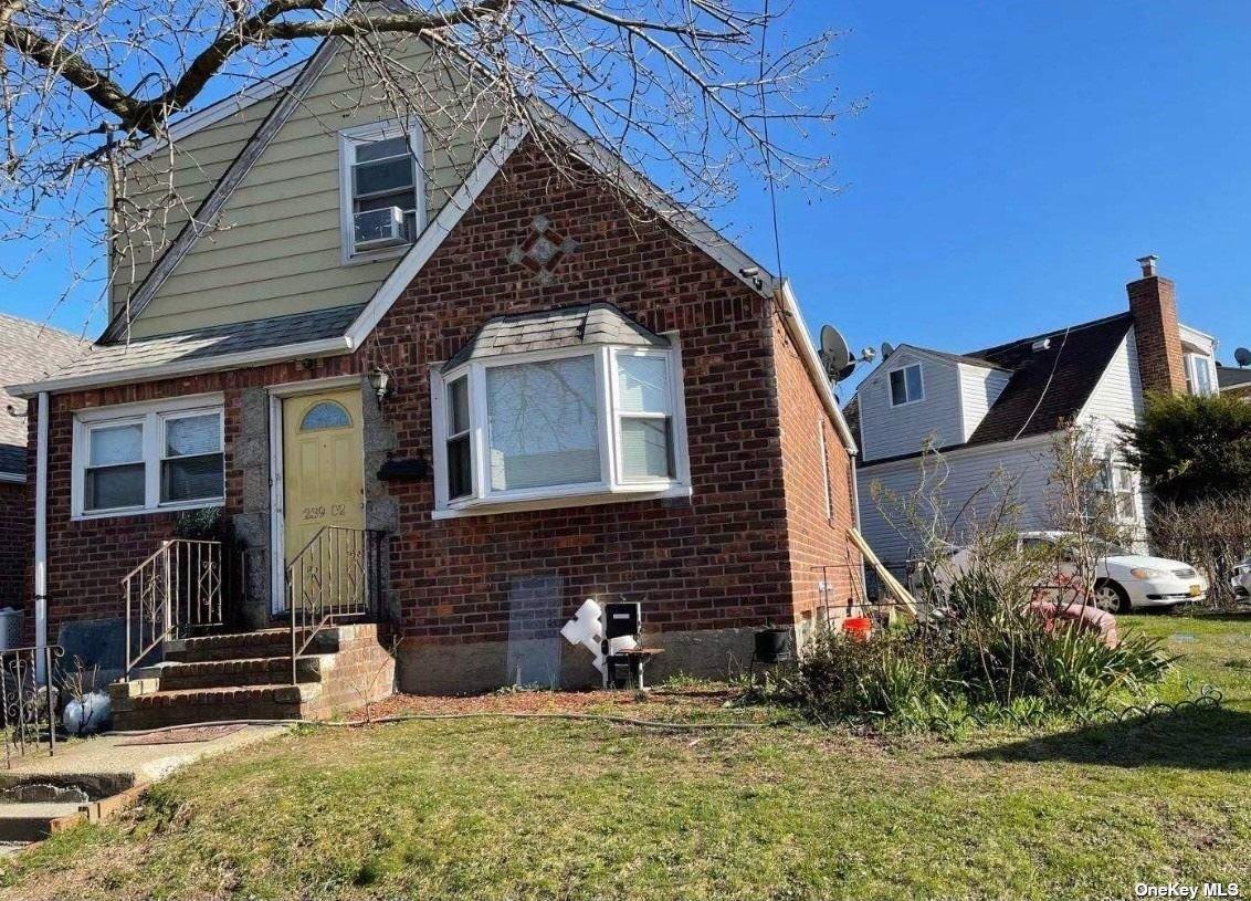 239-02 HILLSIDE AVENUE, BELLEROSE, NY 11426