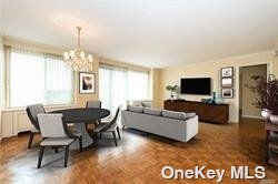 Property for sale at 111 Cherry Valley Avenue Unit: 805, Garden City,  New York 11530