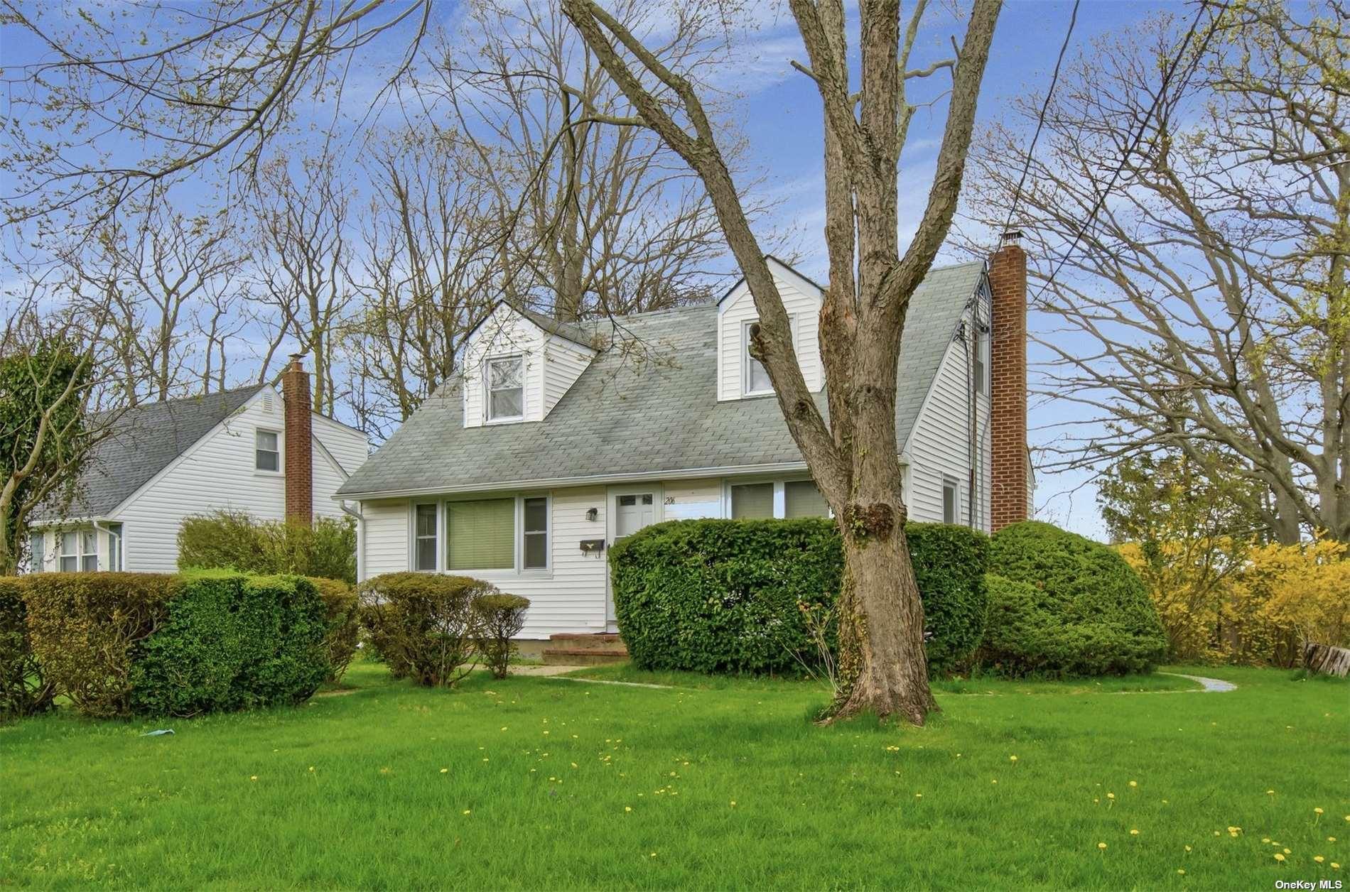 206 Dickinson Avenue, E. Northport NY 11731