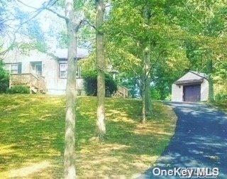 40 Oakwood Drive, Wading River NY 11792