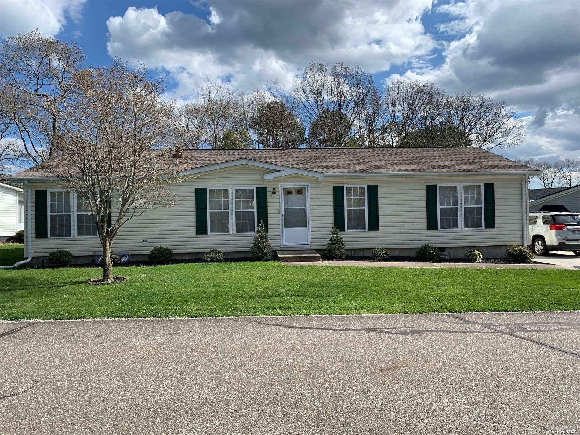 1407-89 Middle Road, Calverton NY 11933