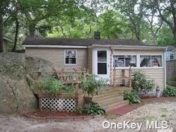 Property for sale at 5 Surfway N, Baiting Hollow,  New York 11933