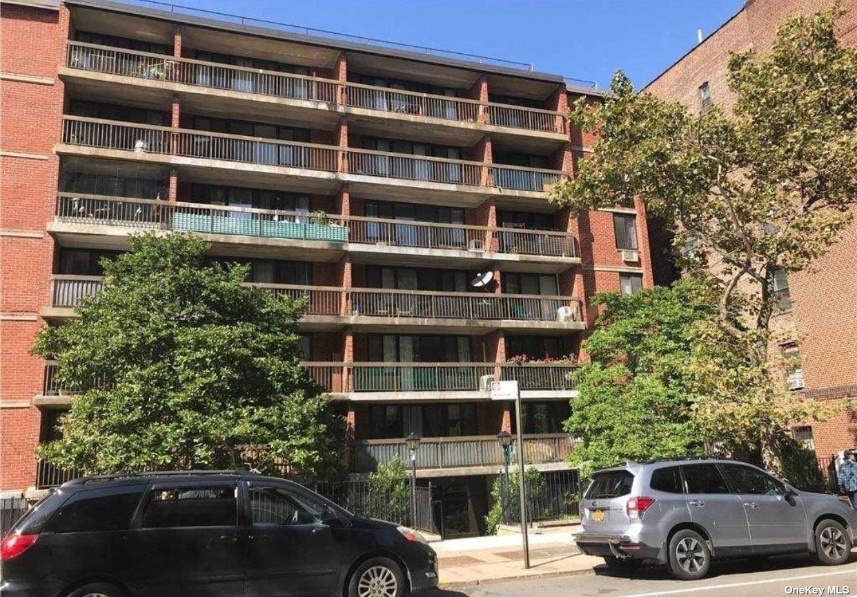 136-35 MAPLE AVENUE #5F, FLUSHING, NY 11355