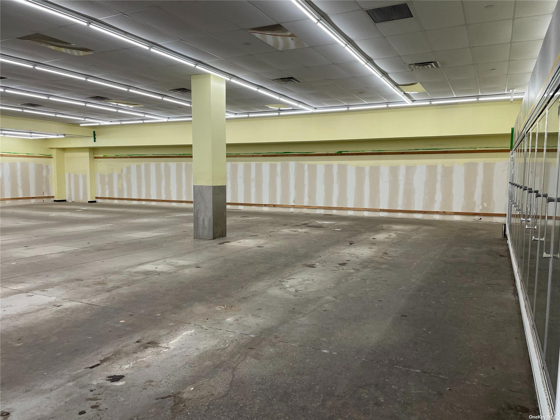 Commercial Lease Jamaica Avenue  Queens, NY 11421, MLS-3311012-6
