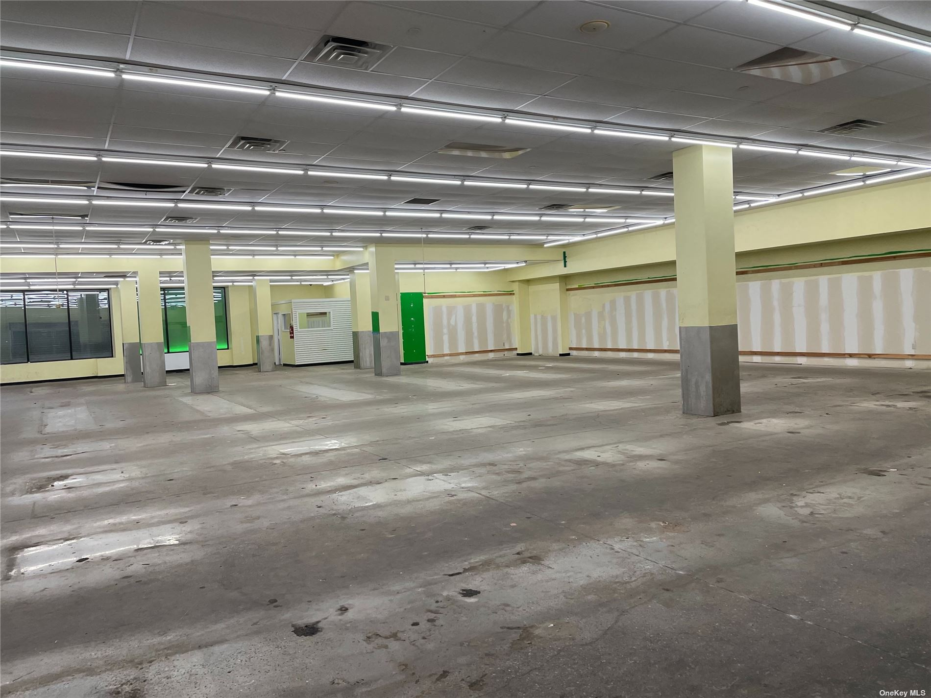 Commercial Lease Jamaica Avenue  Queens, NY 11421, MLS-3311012-4