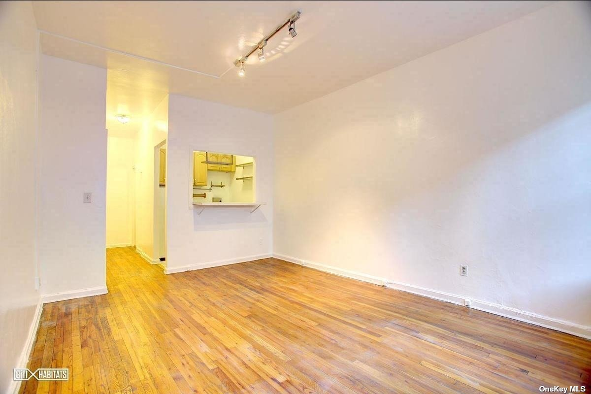 Residential Lease 82 Street  Manhattan, NY 10128, MLS-3315662-5