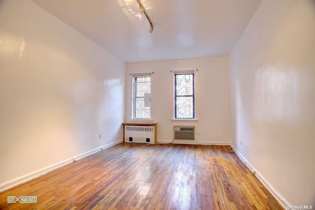 Residential Lease 82 Street  Manhattan, NY 10128, MLS-3315662-4