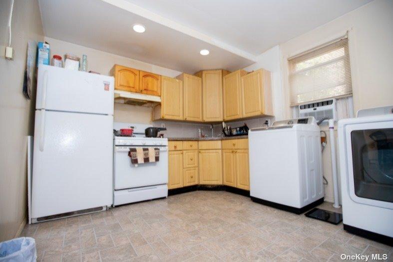 Single Family 83rd Street  Brooklyn, NY 11236, MLS-3317108-13