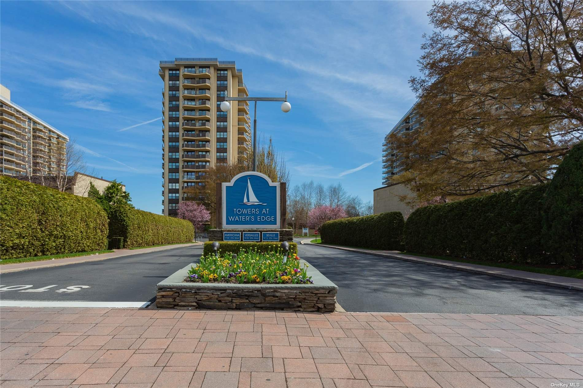 Luxury luxury! Beautifully renovated 1 Bedroom in beautiful towers at waters edge! Priced perfectly to sell, this unit will not last! Beautiful water view, renovated kitchen and baths! 24 Hour door man, beautiful waterfront inground pool, tennis courts! Resort style living!