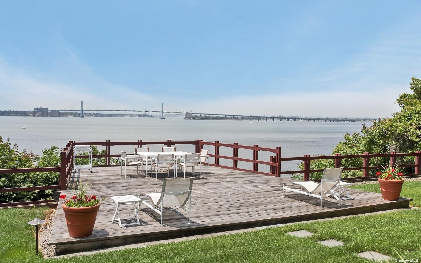 Own Your Own Private Piece Of Waterfront Paradise On The Gold Coast Of Long Island. This Property Features Unobstructed Waterfront Views Overlooking Manhattan And The Bridges. This 6 Br 5.5 Ba Contemporary Home, on 1.23 Acres,  Features An Open Floor Plan & Impeccably Designed Living Space. Private Blue-Stone Pool, Terraces, And Spectacular Sunsets Year Round Makes It Perfect For Entertaining.