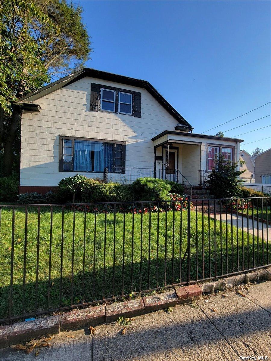 16 Crowell Street, Hempstead, NY 11550