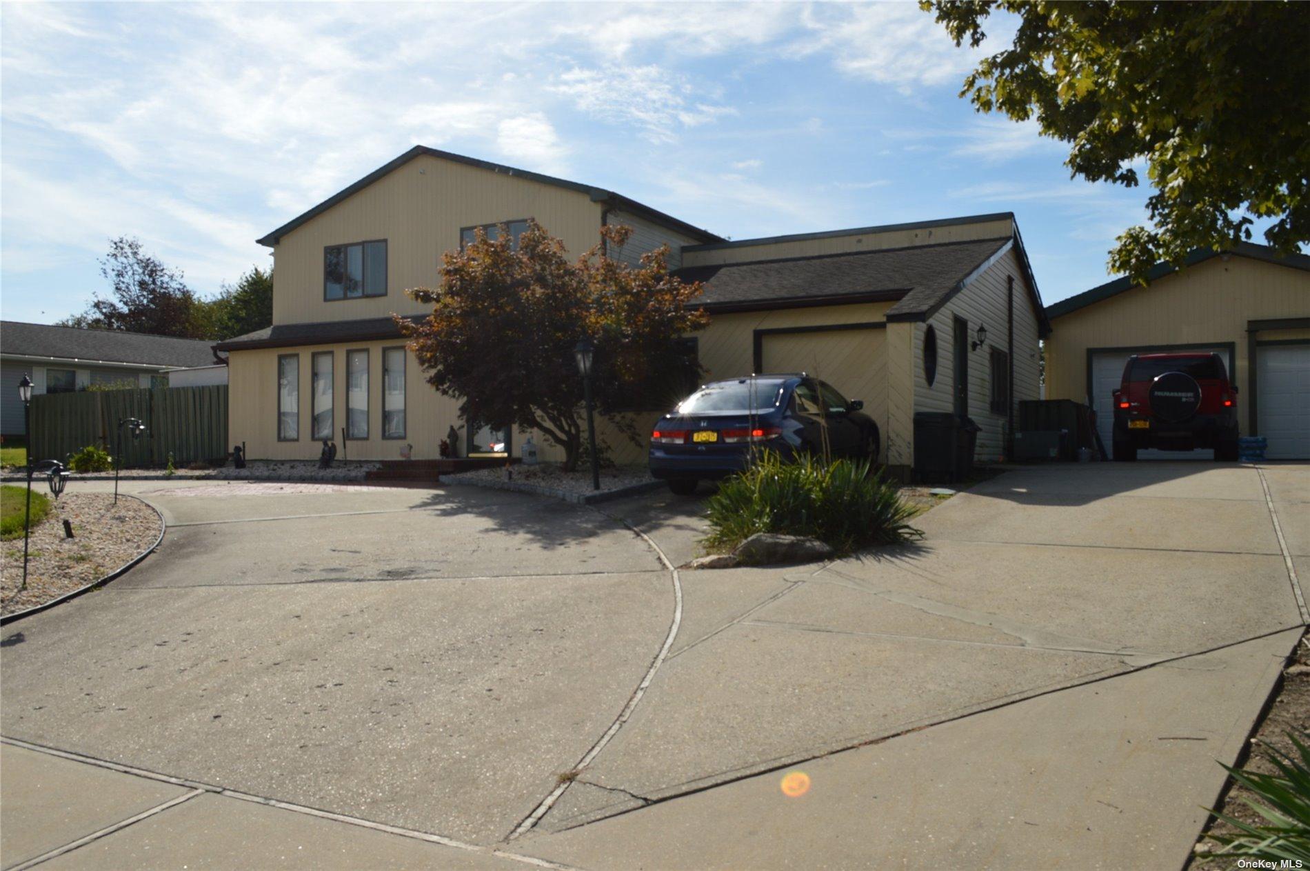 20 Strathmore Villa Drive, S. Setauket, New York11720 | Residential For Sale