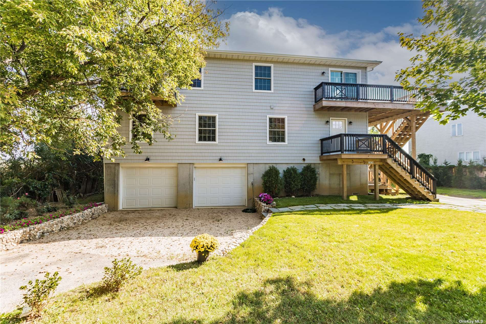 Brand New Luxury Waterfront Home Right Near The Open Bay.  Private Dock-SouthEnd of the Canal.
