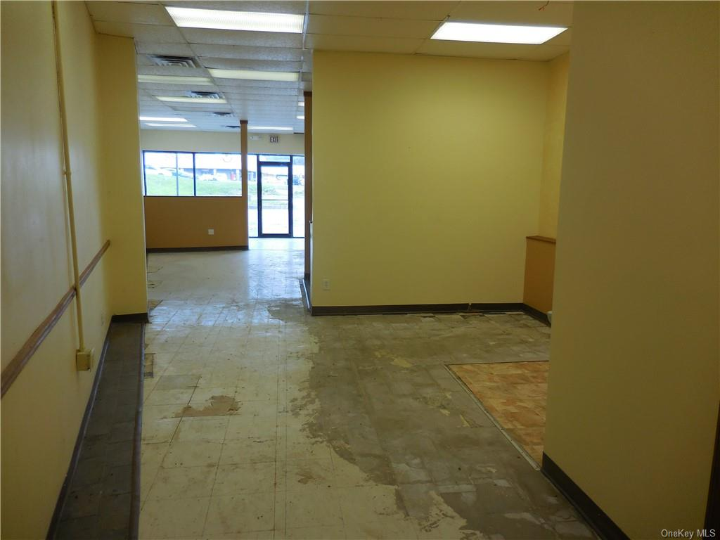 77 N Plank Road, Newburgh Town, New York 12550, ,Commercial,For Rent,Plank,H4850077