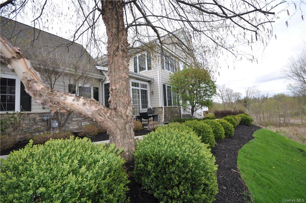 2 Turnberry Court, Monroe Town, NY 10950