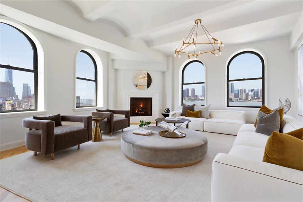 275 W 10th Street Penthouse-B, New York, NY 10014