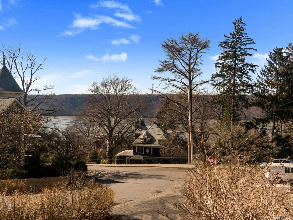 Single Family Shonnard Terrace  Westchester, NY 10701, MLS-H6014968-17