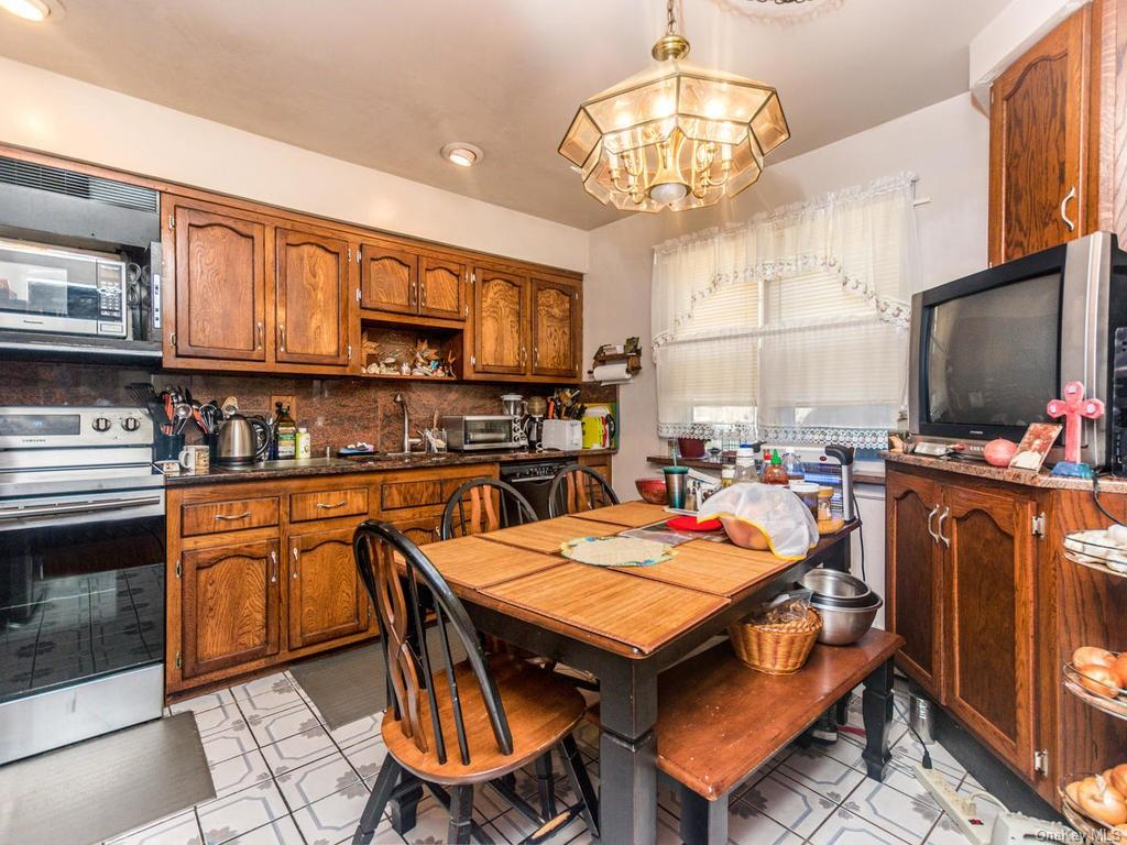 Single Family Shonnard Terrace  Westchester, NY 10701, MLS-H6014968-10