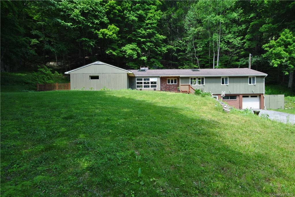 311 Hosner Mountain Road, Stormville, NY 12582