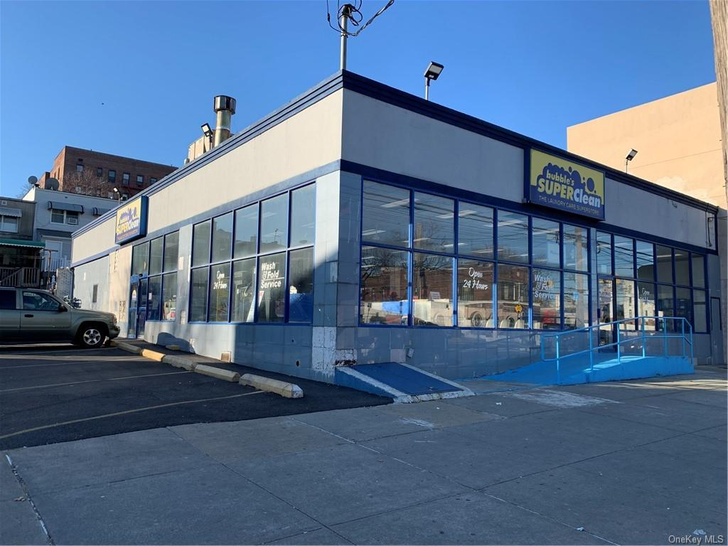 Business Opportunity in Bronx - 233rd Street  Bronx, NY 10466