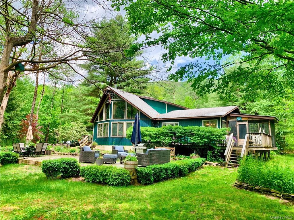 284 Mountain Pass, Hancock, NY 13756