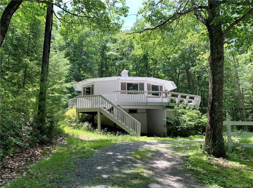 302 Kennel Road, Westbrookville, NY 12729