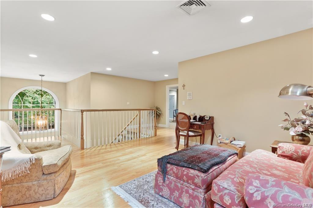 Single Family Norwalk Road  Out Of Area, NY 06850, MLS-H6053031-26