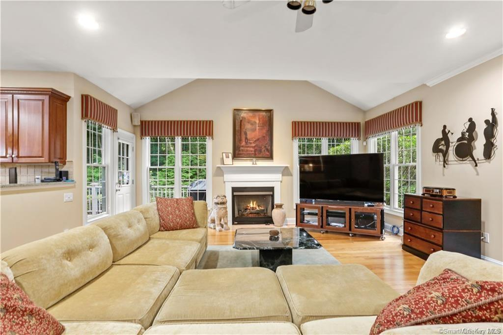 Single Family Norwalk Road  Out Of Area, NY 06850, MLS-H6053031-14