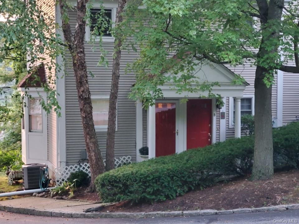 This lovely 1 bed, 1 bath, ground floor corner unit offers an open floor concept with plenty of windows. The renovated kitchen features stainless steel appliances, Thomasville cabinetry and a breakfast bar nook. Hardwood floors, recessed lighting, crown molding details and top down/bottom up blinds throughout enhance this conveniently located home just steps from downtown Chappaqua and the train. The unit includes a full size washer and dryer and the finished lower level provides over 500 sf of space in 2 separate rooms for an office, playroom, storage or possible expanded living space. 720 sf of living space does not include the lower level with 540 more square feet. The small condo complex of only 11 units offers 1 assigned parking space plus visitor parking.