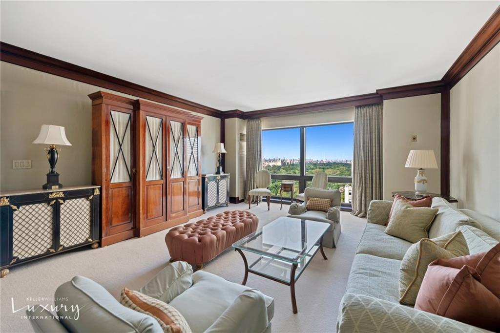 Property for sale at 721 Fifth Avenue Unit: 33F, New York,  New York 10022
