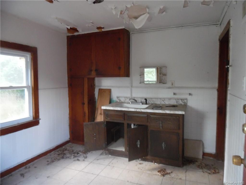 Three Family Highland Avenue  Sullivan, NY 12701, MLS-H6058693-9