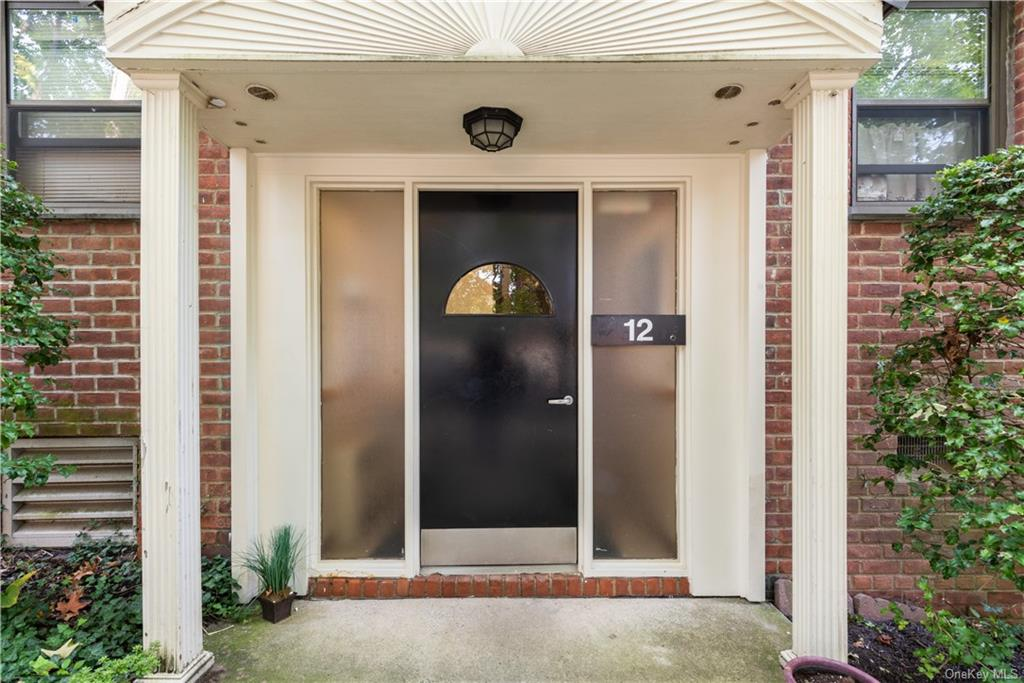 12 Manor House Drive G17