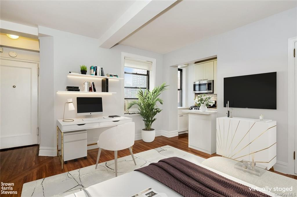 Residential Lease in New York - 57th Street  Manhattan, NY 10019