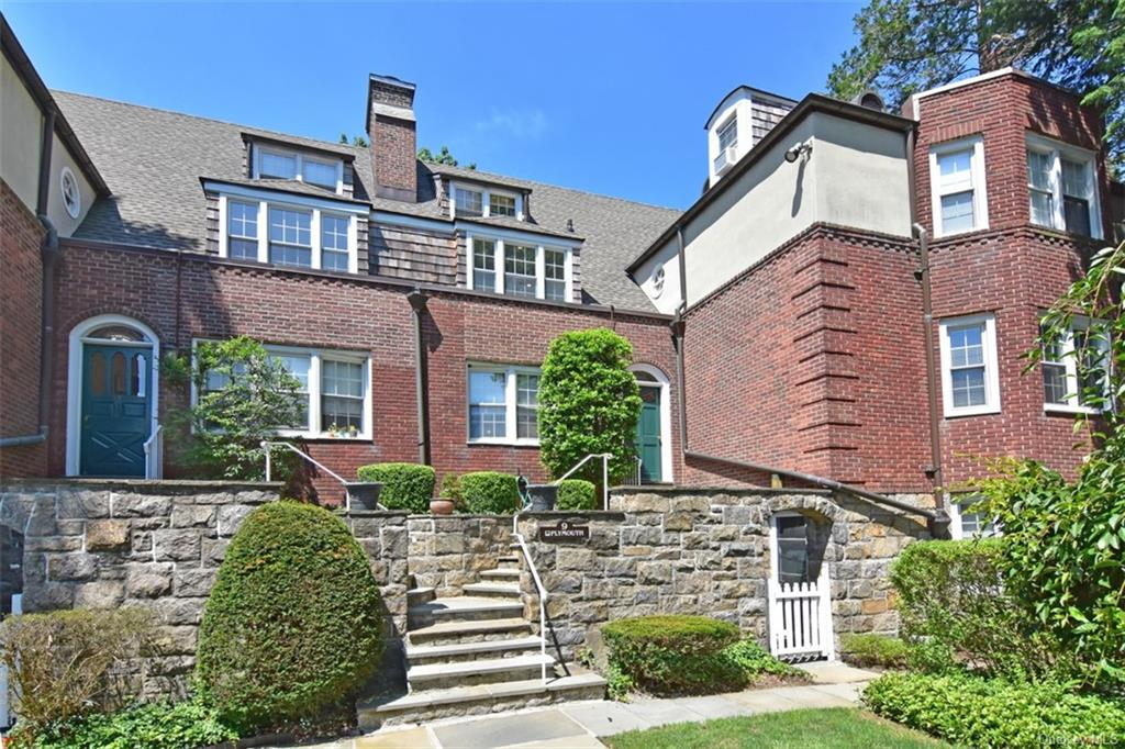 9 Campus Place 2A, Scarsdale, NY 10583