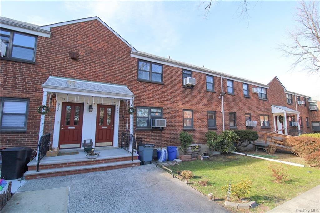Welcome to this lovely Upper Unit Coop nestled in the highly sought after Bayside, Queens area. Enjoy the scenery as you stroll through the well manicured courtyard. Overlooking the green of the nearby Clearview Golf Course- this two bedroom unit is waiting for you. Additional room/office/den off of the living room. In unit washer & dryer complete this unit making life that much easier! Schedule your showing today.