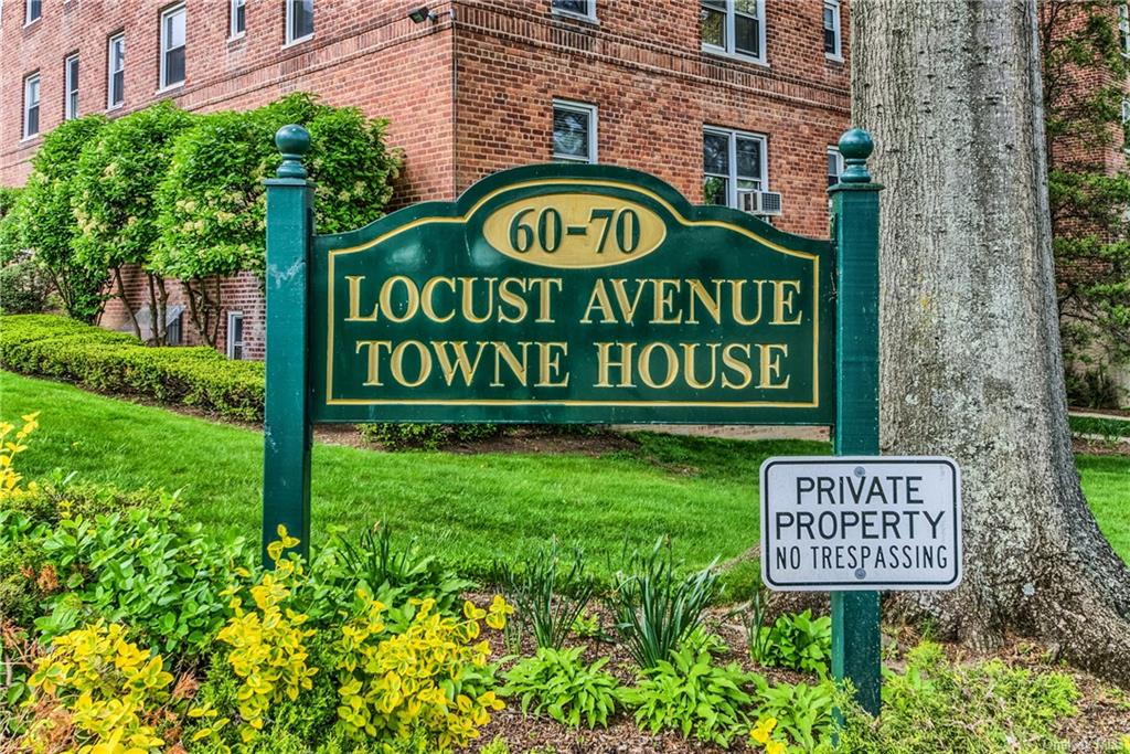 Welcome to Locust Avenue Towne House