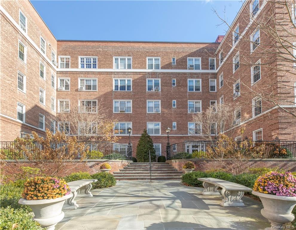 Commuters Dream!!! Welcome to this spectacular, spacious 2 bedroom, 2 bath co-op apartment in highly sought-after Midland Gardens. Bronxville school district. Great location! Beautiful kitchen with unique breakfast area. Spacious rooms, many closets, hardwood floors. Only a few minutes from Metro North, shops and restaurants. The owner is eligible to join the Eastchester's Lake Isle Country Club, which offers dining, golf, swimming, and tennis. Must see!!!