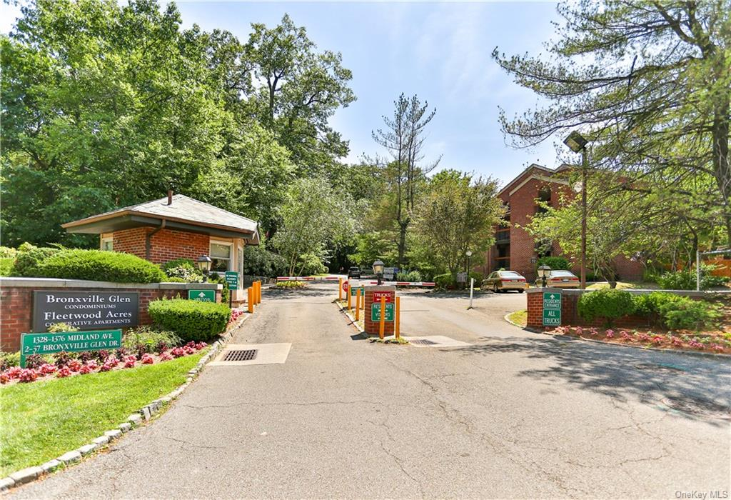 Wonderful sun-lit one bedroom apartment in 24/7 private gated community in beautiful and serene park like setting.  This lovely apt. features Refinished hardwood floors, a renovated kitchen with stainless appliances, granite counter tops and updated bath. Ample on site parking.  Part of a financially sound centrally located co-op with maintenance that includes gas, electric, heat, hot water.  It is a 10 minute walk to the Metro north railroad, and as well as the Cross County Mall (shopping, dining. theatre) and has easy access to public transportation-Bus, and all major highways.  Just a 5 minute car drive into Bronxville Village.